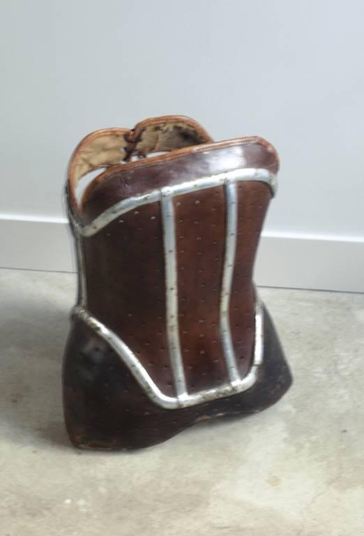 Ancien corset orthopédique   Puces Privées