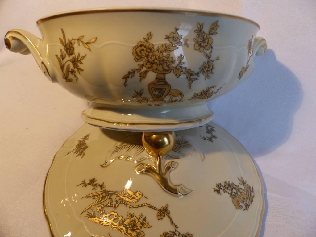 No - 276 - Belle et grande soupière en porcelaine de Limoges Bernardaud | Puces Privées