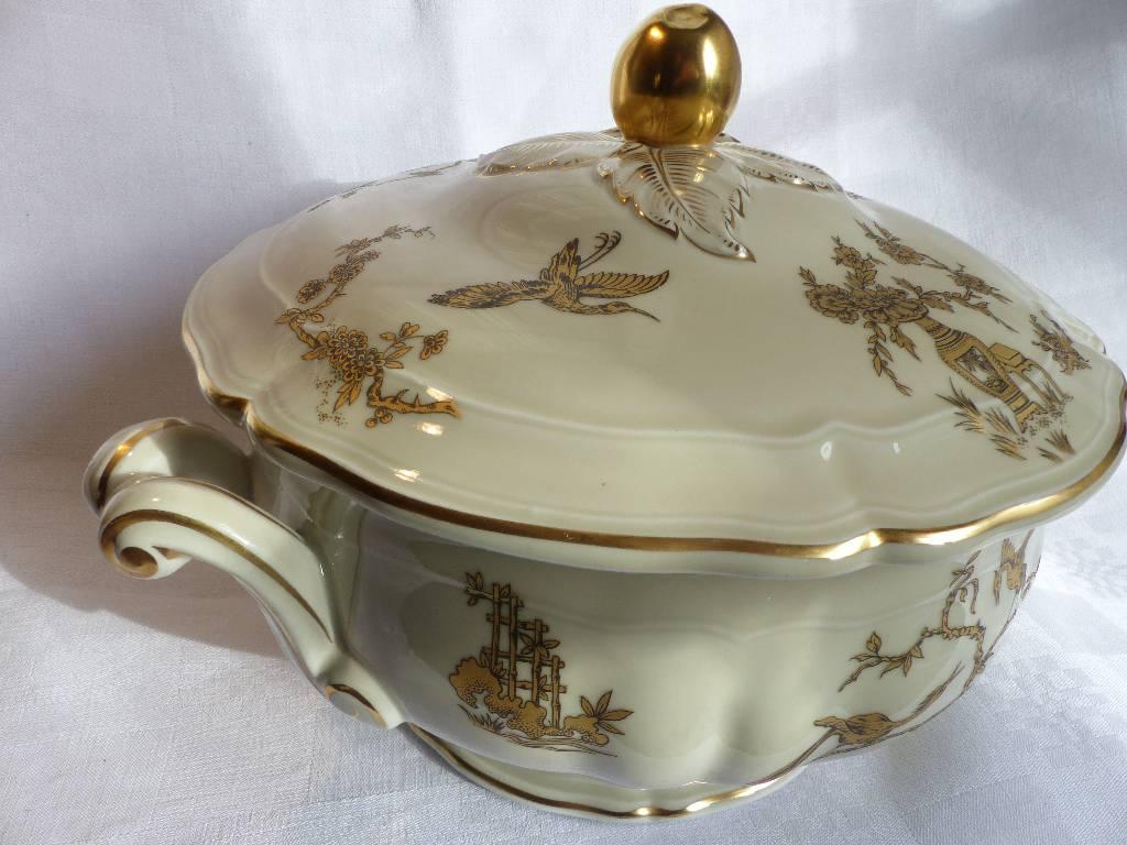 No - 277 - Belle soupière en porcelaine de Limoges Bernardaud | Puces Privées
