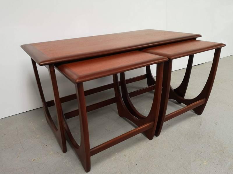 Tables gigognes vintage | Puces Privées
