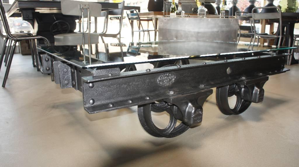 Table basse Wagonnet | Puces Privées