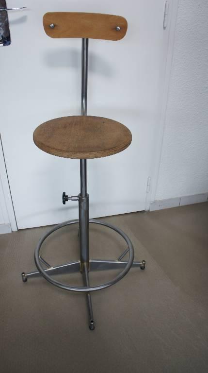 Chaise d'atelier pivotante | Puces Privées