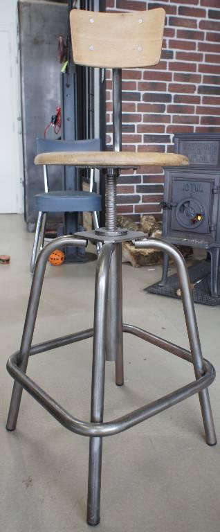 Chaise d'atelier | Puces Privées