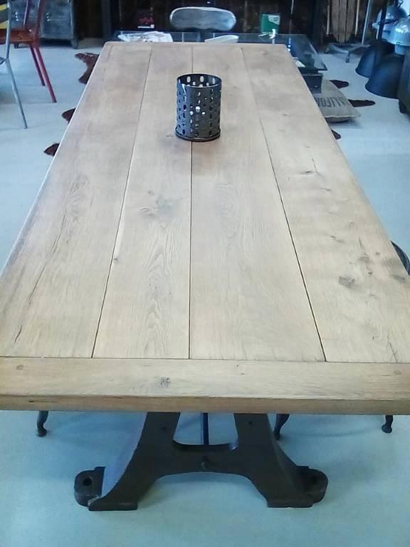 Table pied A | Puces Privées