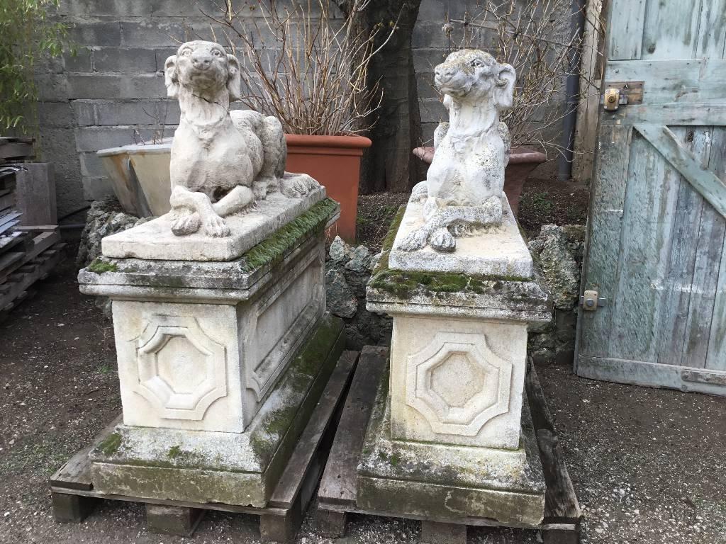 Statue | Puces Privées