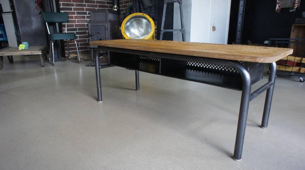 Table basse bureau d'écolier | Puces Privées
