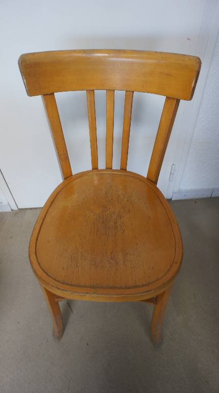 Chaise en bois Baumann | Puces Privées