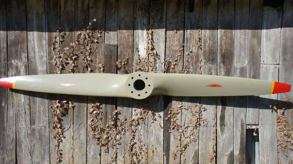 Grande hélice en bois | Puces Privées