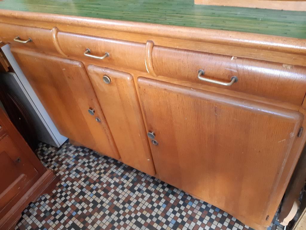 Buffet de cuisine années  40 | Puces Privées