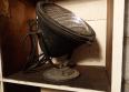 Projecteur industriel de quai de gare en fonte noir, Atelier, Luminaires | Puces Privées