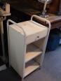 Chevet ancien d'hôpital en métal peint blanc, Chevets anciens, Mobilier | Puces Privées