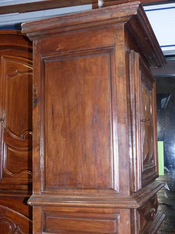 Cabinet homme debout buffet époque louis XIII circa XVII e . noyer | Puces Privées