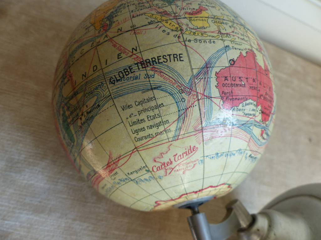No - 353 - Ancien globe terrestre cartes Taride  Paris, aluminium et carton année 1950 environ   Puces Privées