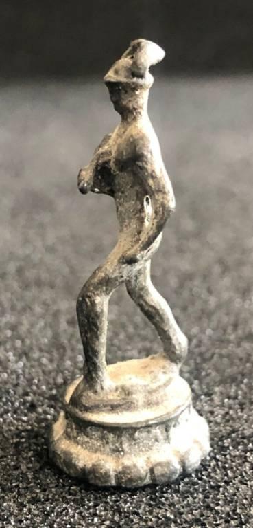 Hermès Trismégiste nu Mercure tête muni du pétase ailé figurine votive 3,9 cm | Puces Privées