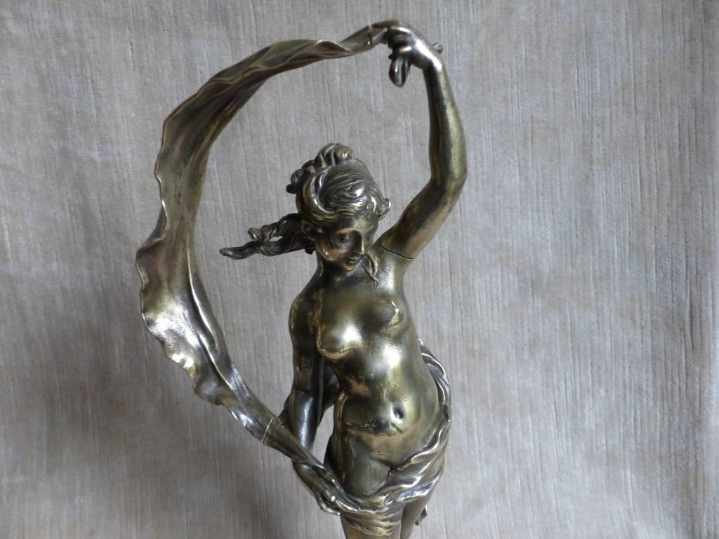 No - 374 - Jeune femme en bronze signé Auguste Moreau 1834 - 1917 | Puces Privées