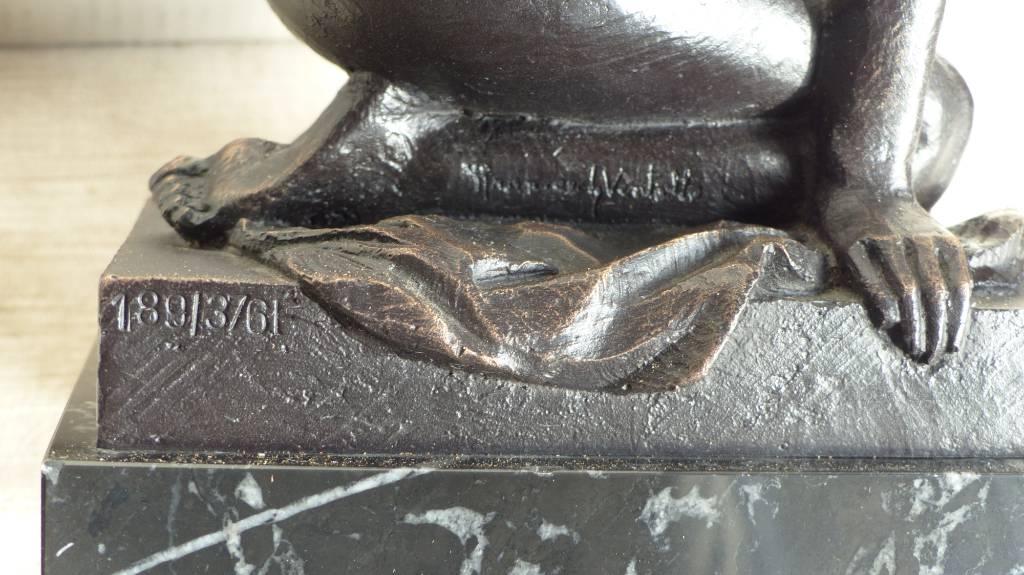 No - 375 - Bronze XXème à patine noire de Pilar Francesch ventallo signé et numéroté 189 sur 376 F | Puces Privées