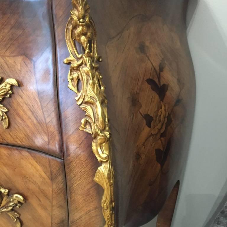 Commode Galbée Style Louis XV | Puces Privées