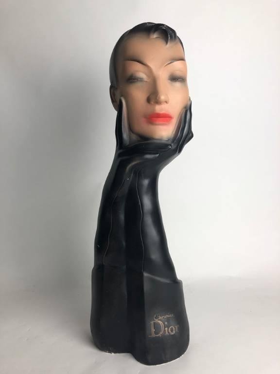 Buste de femme en plâtre  -  PUBLICITE DE GANTS CHRISTIAN DIOR - STYLE ART DECO | Puces Privées