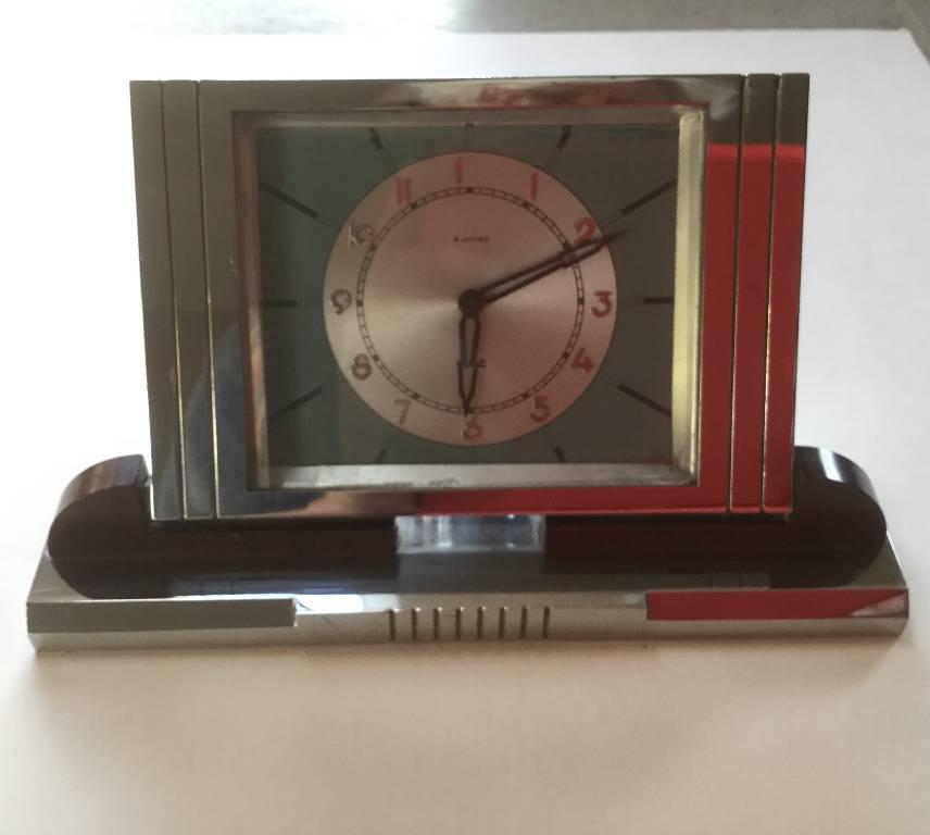 Pendulette chrome et bakelite | Puces Privées