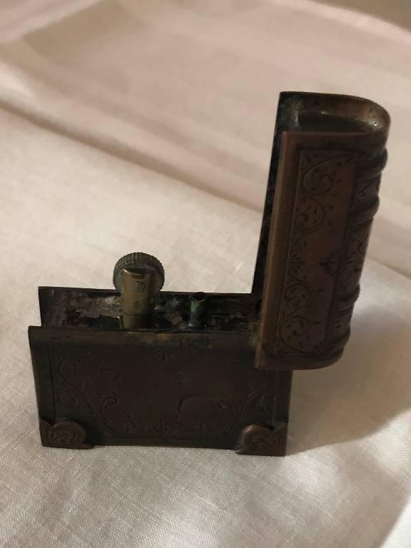Briquet ancien | Puces Privées