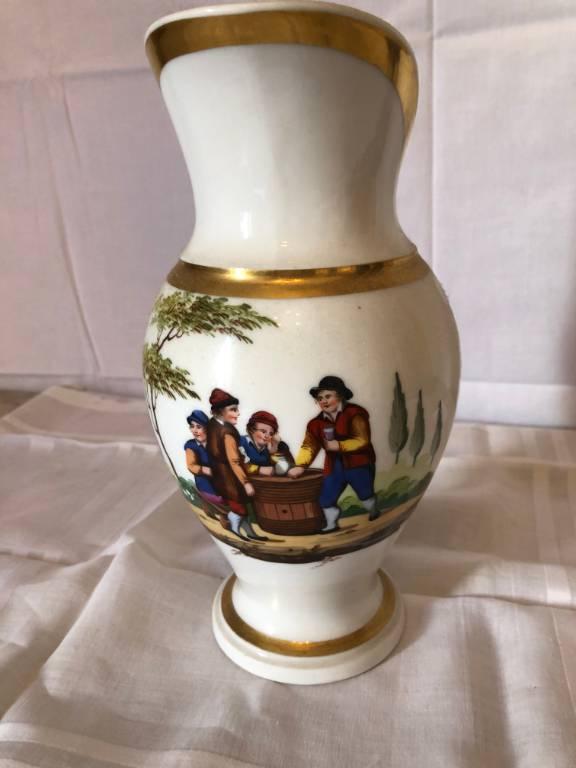 Broc à eau porcelaine de Paris   Puces Privées