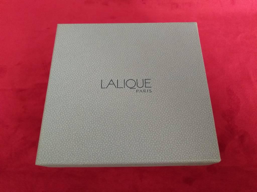 flacon Lalique créé par René Lalique 1935.    Modèle les 2 fleurs   Puces Privées