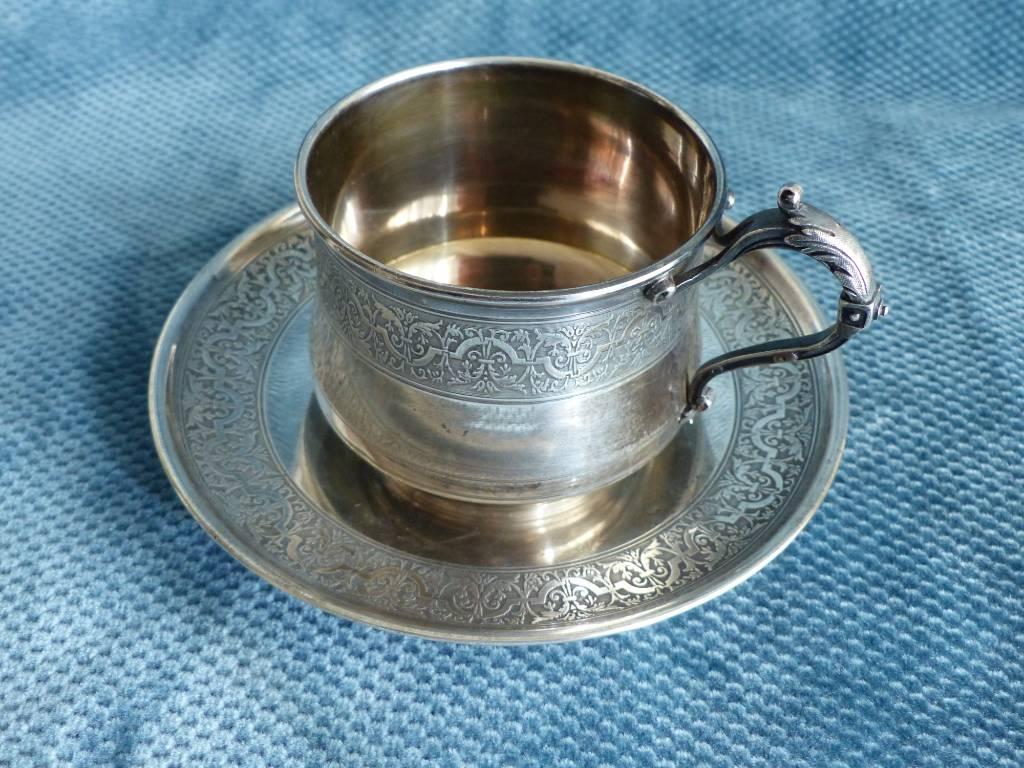 No - 402 - Tasse à thé et sa soucoupe en argent | Puces Privées