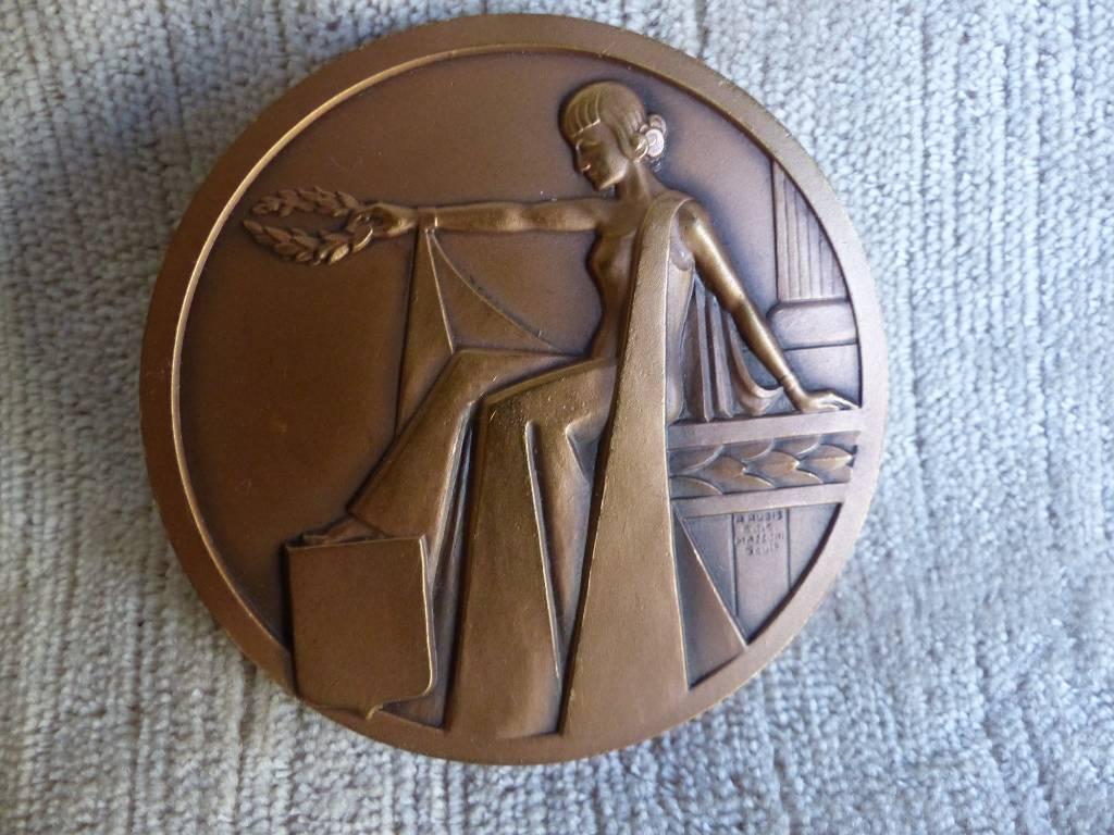 No - 409 - Médaille en bronze ART DECO | Puces Privées