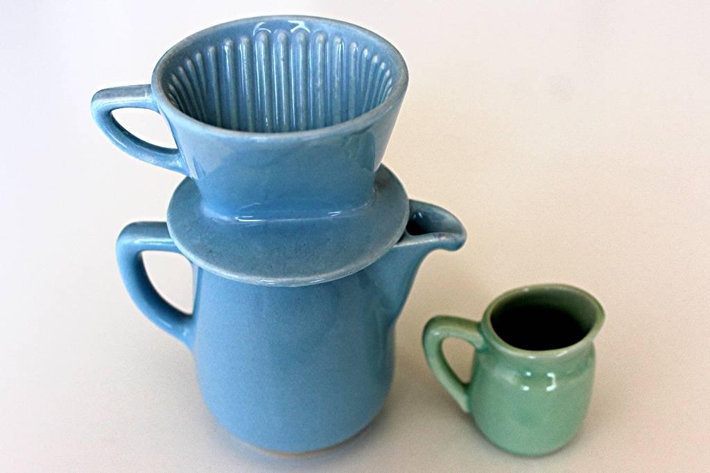 dinette : théière et pot à lait | Puces Privées