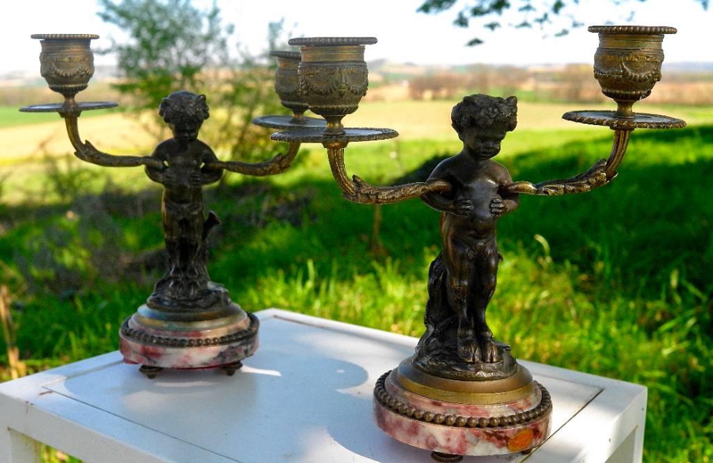 Candélabres en bronze.   Puces Privées