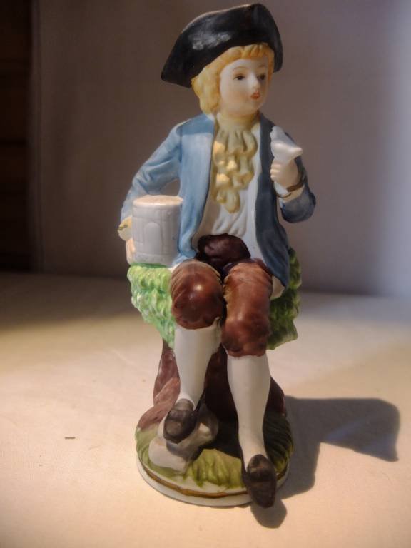 Statuette en biscuit | Puces Privées
