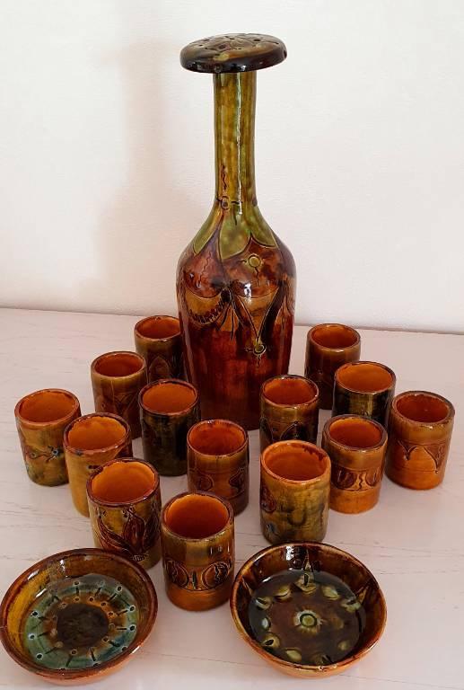 SERVICE à ALCOOL Céramique provençale 17 pièces signé Lanusé | Puces Privées