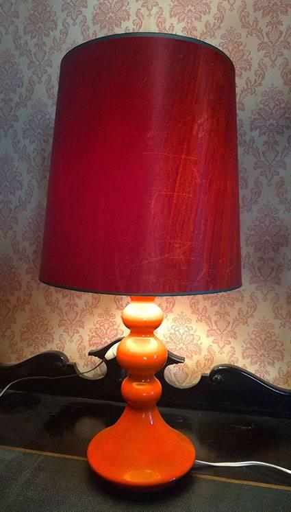 Lampe année 70 orange POP   Puces Privées