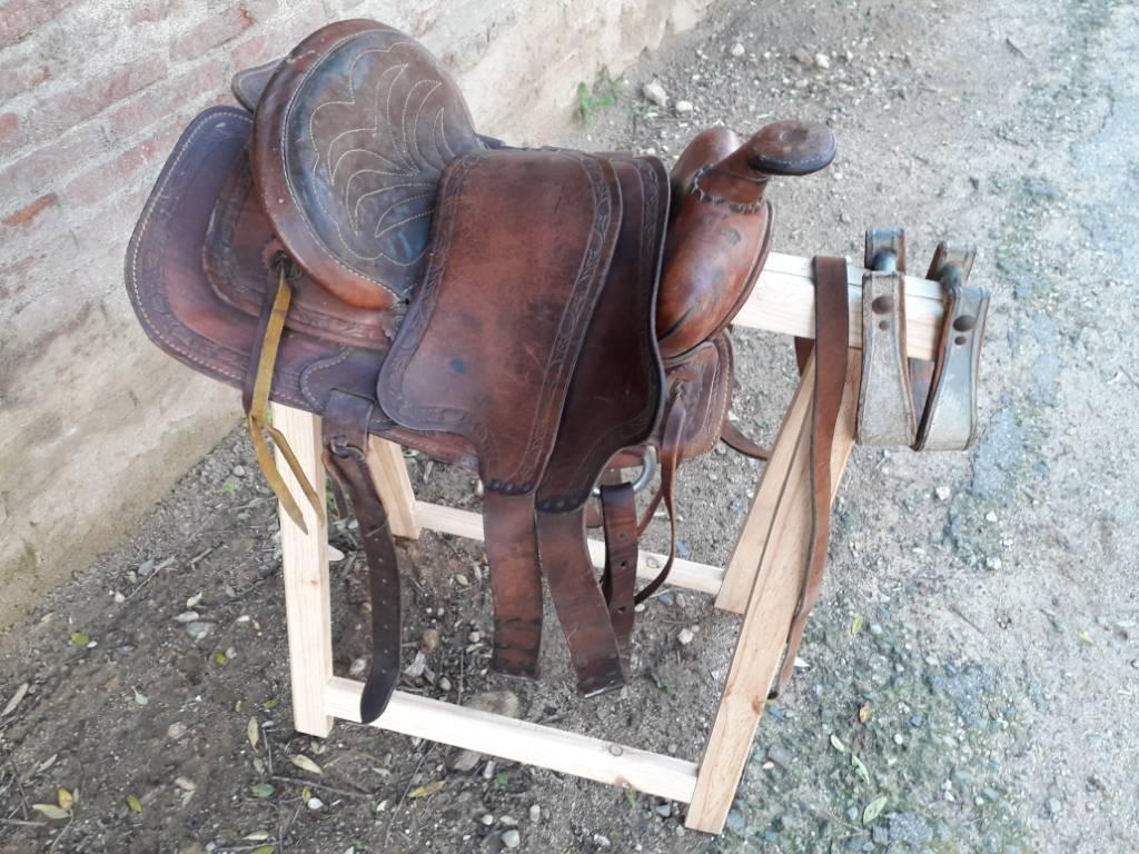 Selle d'équitation américaine   Puces Privées