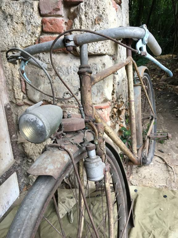 anciens vélo   Puces Privées
