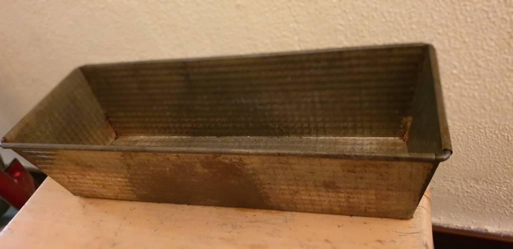 #2 - Moule à cake en metal vintage   Puces Privées