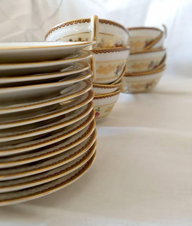 #45 - Service à thé en porcelaine de limoges   Puces Privées