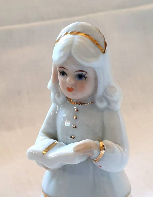 #49 - Personnage en porcelaine | Puces Privées
