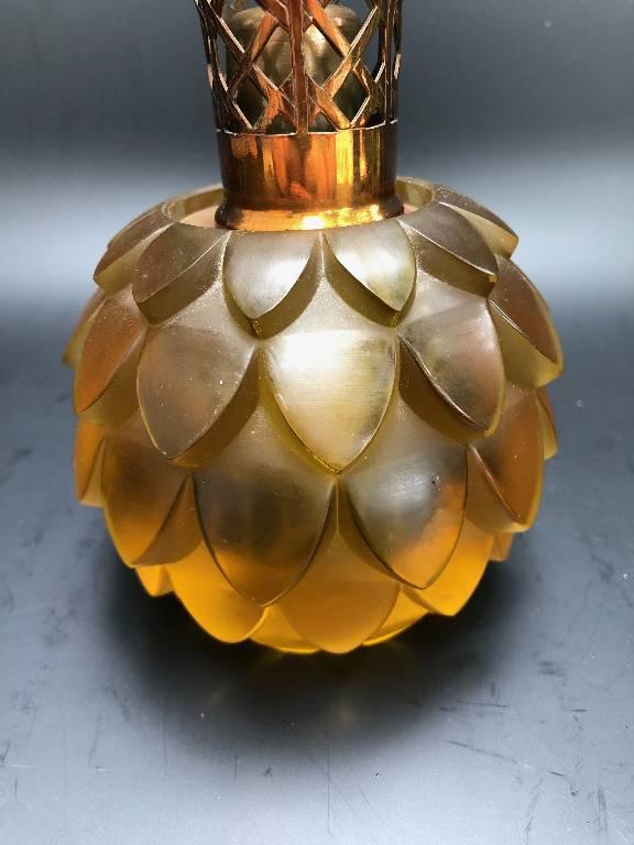 ANCIENNE LAMPE BERGER JAUNE VERRE RENÉ LALIQUE | Puces Privées