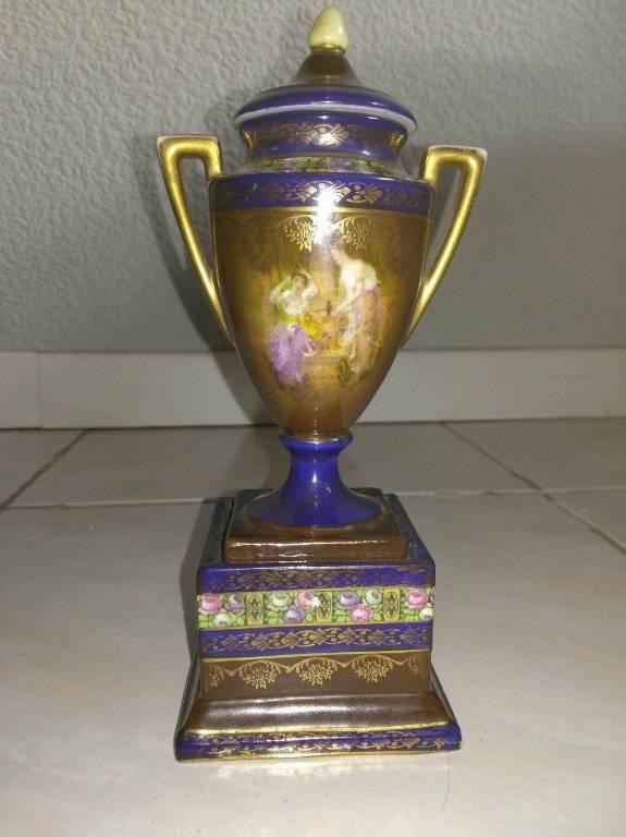 cassolette porcelaine royal de vienne | Puces Privées