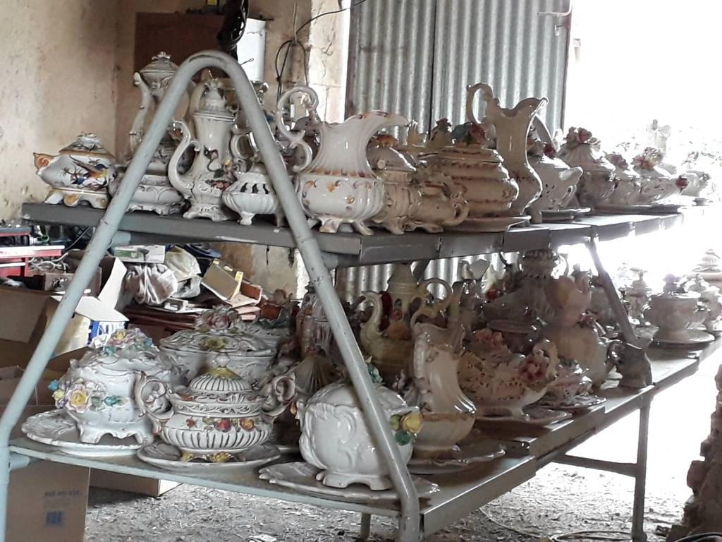 collection de faïences et porcelaine France et Italie | Puces Privées