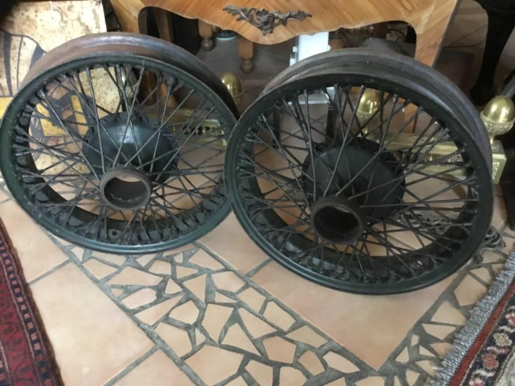 Paire de roues rayonnées anciennes - diamètre 47 cm | Puces Privées