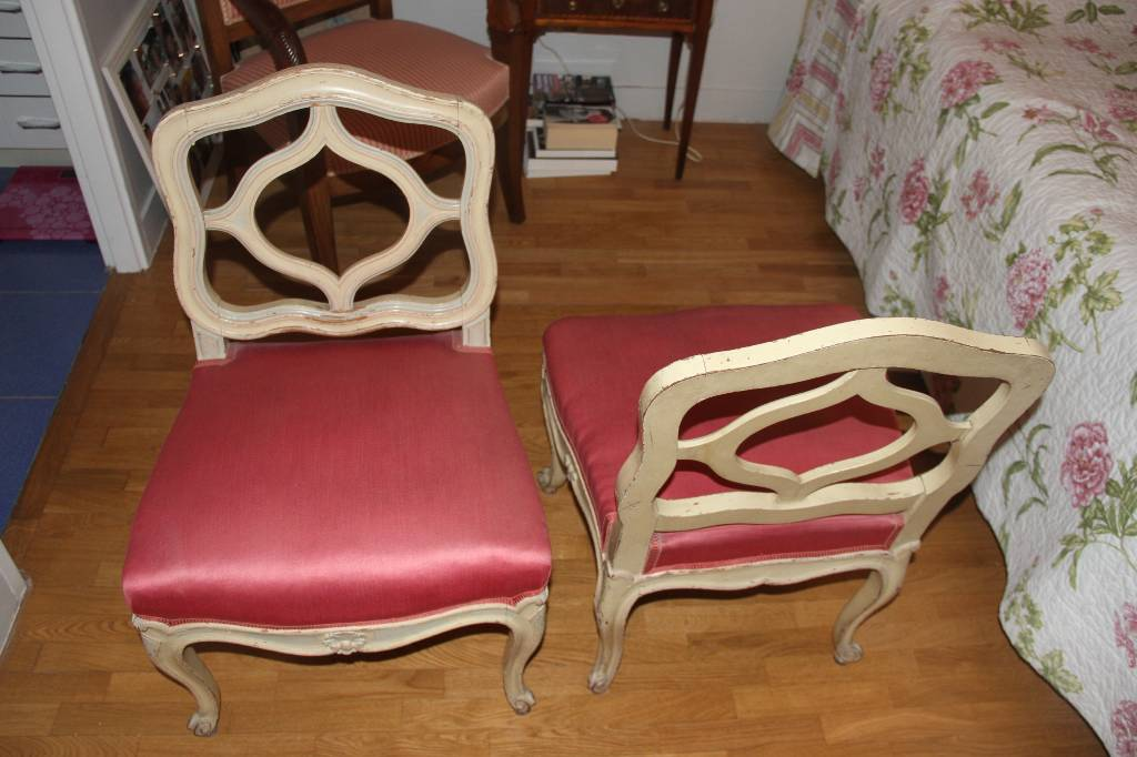 Chaises basse 1900 | Puces Privées