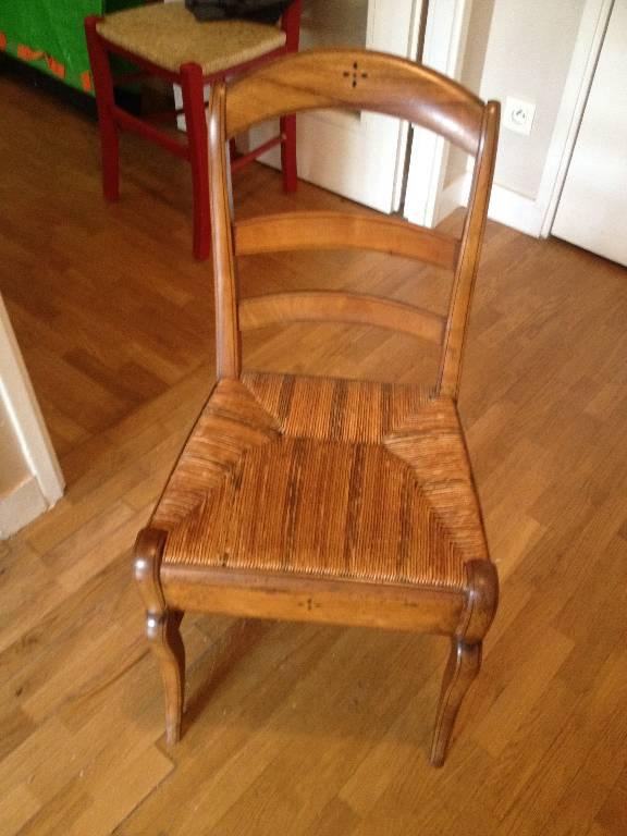 Petite table secrétaire avec tiroir et sa chaise ancienne   Puces Privées