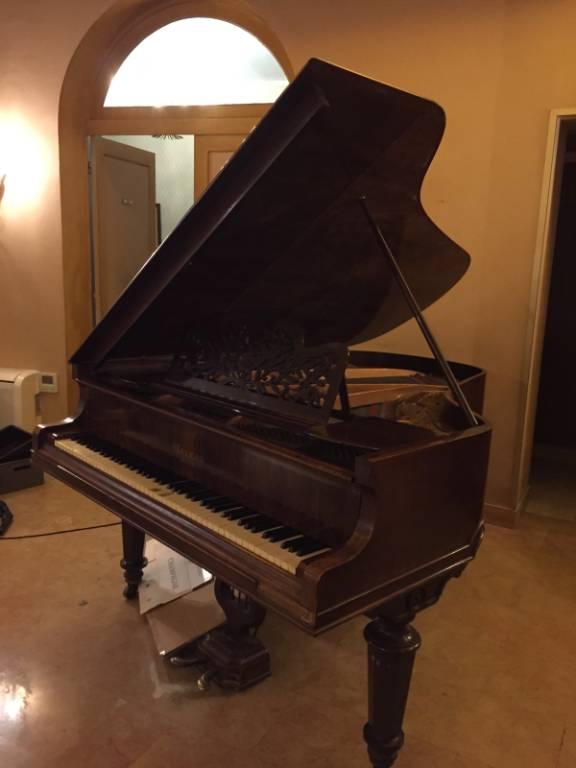 Piano Gaveau | Puces Privées