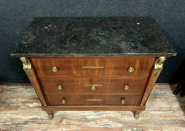 commode Empire en acajou a cariatides en bronze doré vers 1880 | Puces Privées