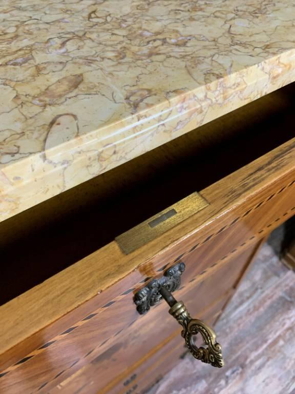 secrétaire Louis XV estampillé au fer en marqueterie de bois nobles vers 1900 | Puces Privées