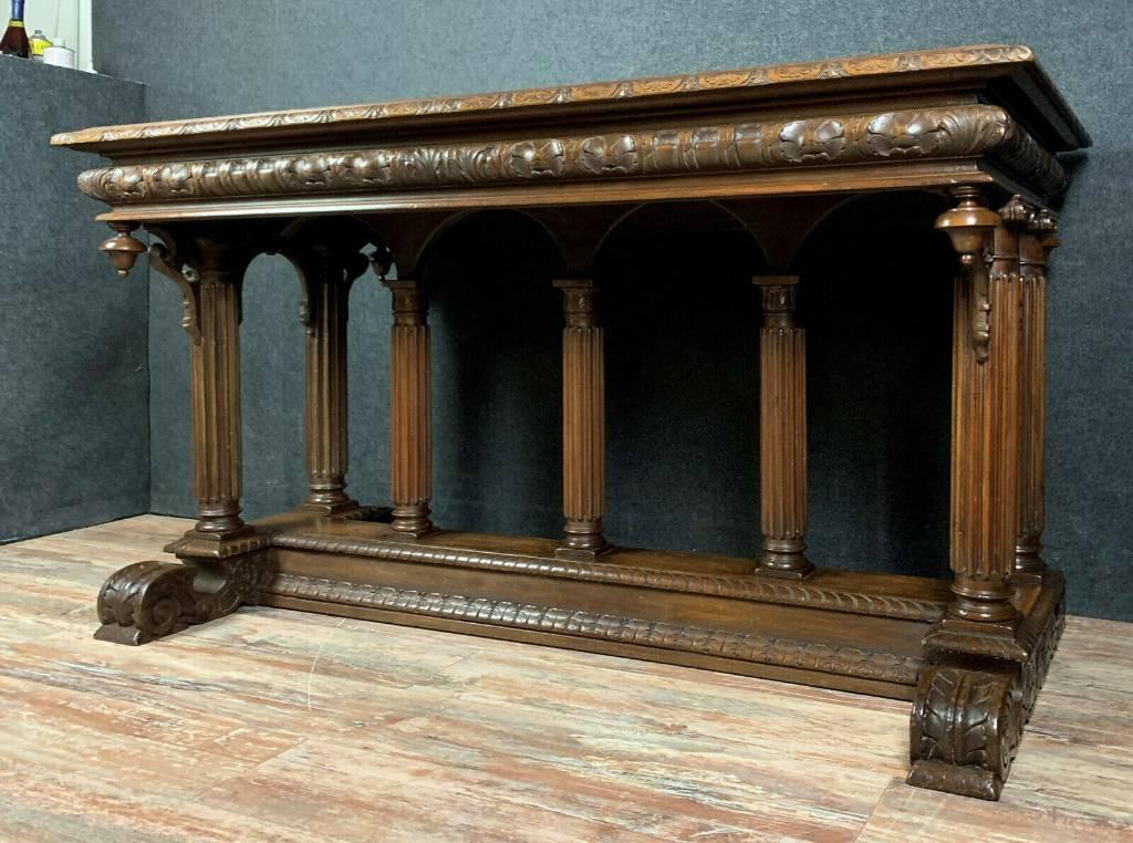 Superbe bureau Renaissance en noyer massif a patine miel vers 1850   Puces Privées