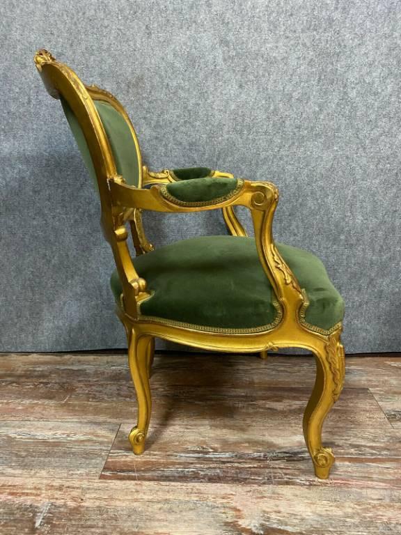 Somptueuse paire de fauteuils cabriolets Louis XV en bois doré vers 1850 | Puces Privées