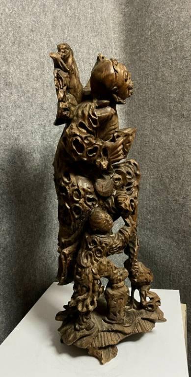 Chine début XIXème  Très importante sculpture en bois exotique figurant un immortel, | Puces Privées